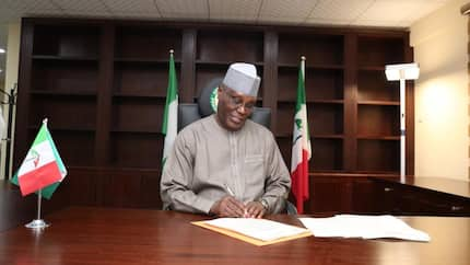 Breaking: Atiku signs peace accord for 2019 presidential candidates in Abuja
