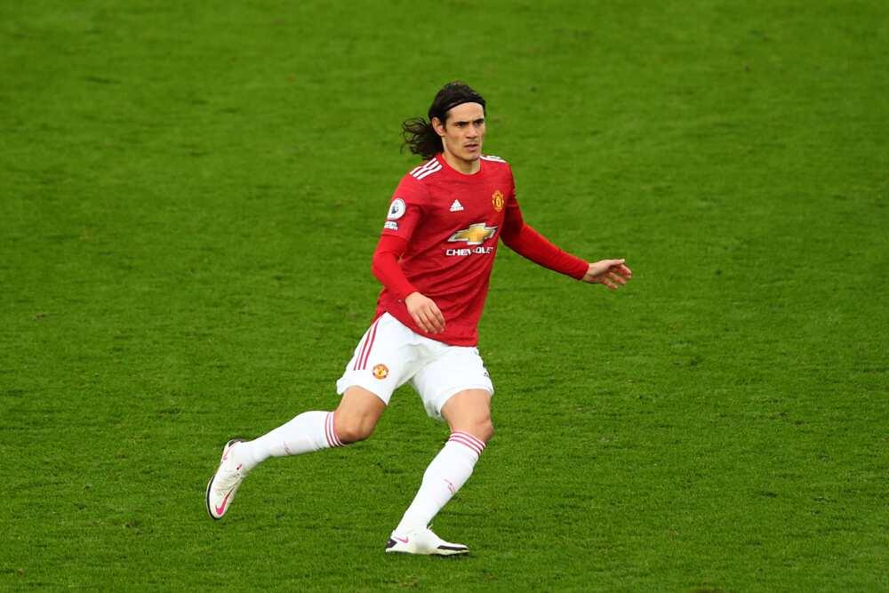 Edinson Cavani, Manchester United striker, banned for 3 games over social media post