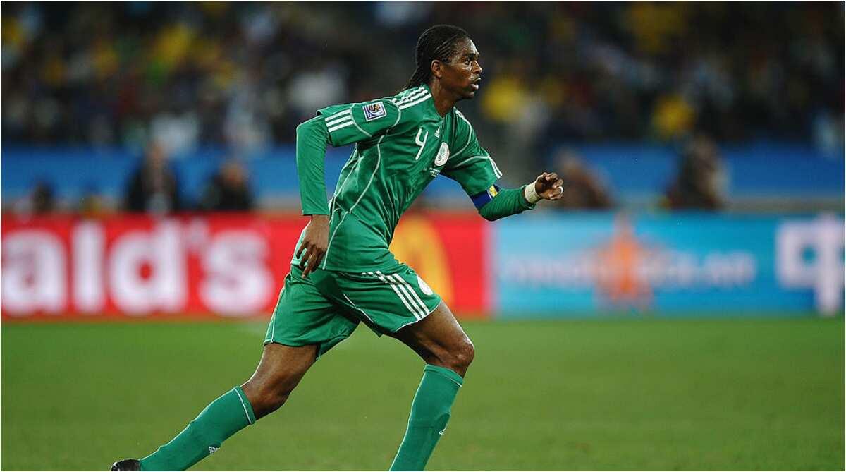 'Life is like football, hardwork, sacrifice, dedication' - Kanu tells players