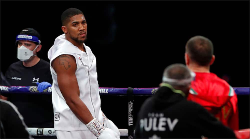 Days Before His Heavyweight Fight vs Usyk, Anthony Joshua Reacts to Comments About His Skinny Physique