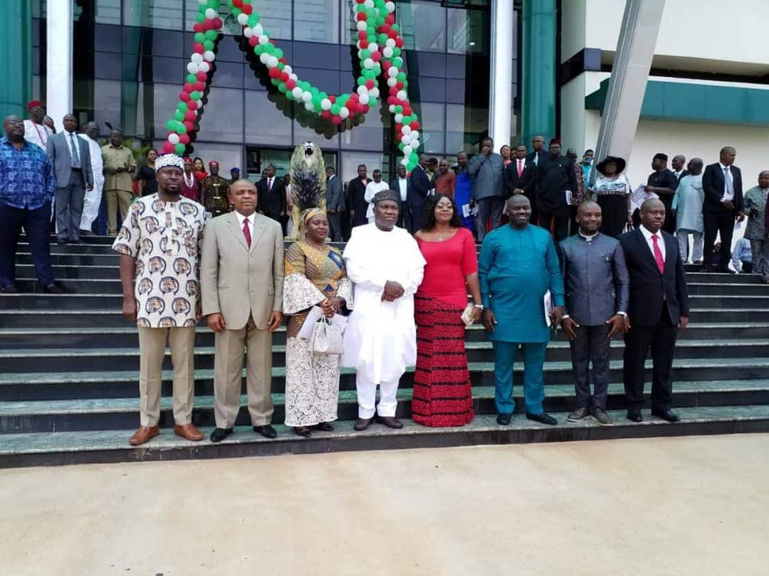 Governor Ugwuanyi swears in Special Advisers in Enugu state - Legit.ng