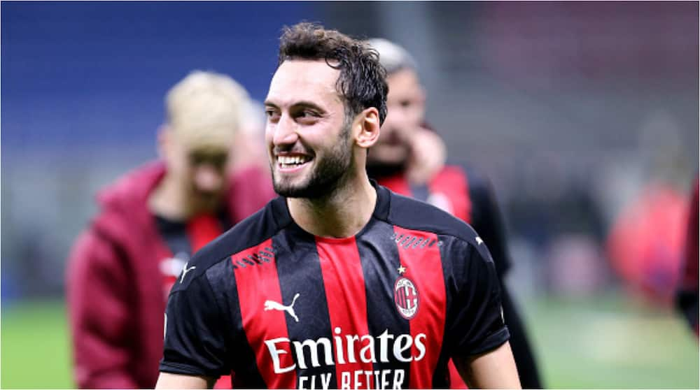 Hakan Calhanoglu: Manchester United double wages of AC Milan star £100,000-a-week to sign him