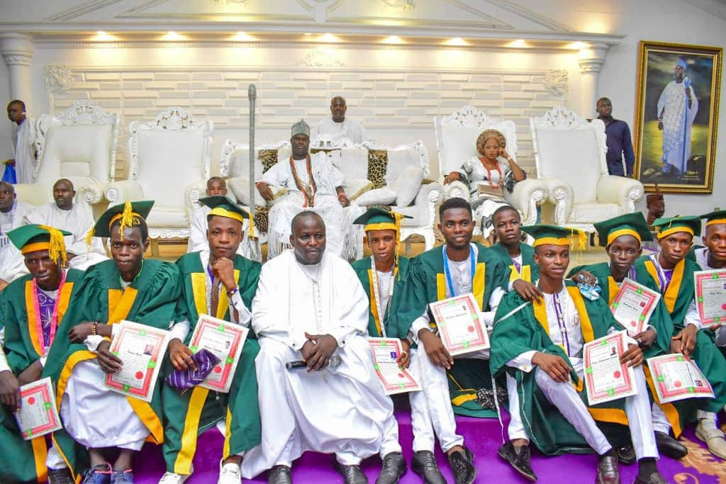 Unemployment: Ooni empowers 70 in his fashion school