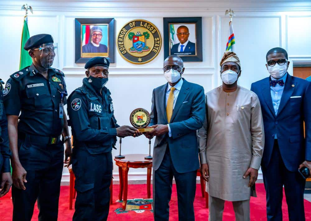 Worthy Example, Nigerian Governor Hails Police Officer Assaulted in Viral Video for Calmness