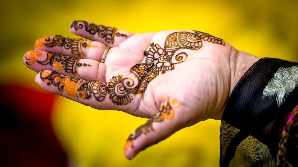 Black and orange henna