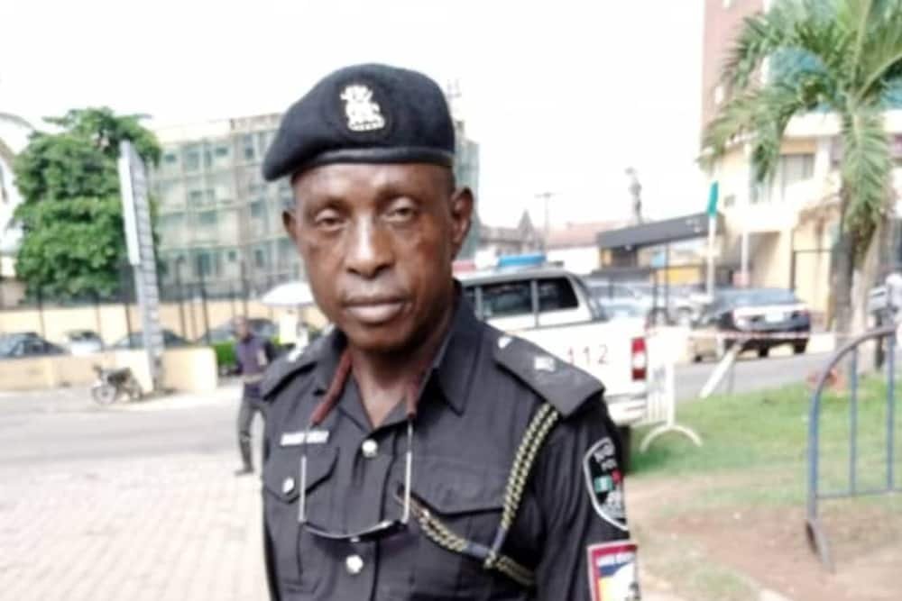 Sunday Erhator: Nigerians raise N.5m for armed Lagos policeman assaulted by civilian