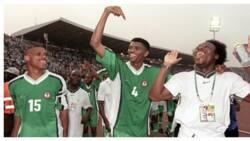 Kanu shouts in pure joy after sighting Daniel Amokachi in Abuja as both Super Eagles legend reunite