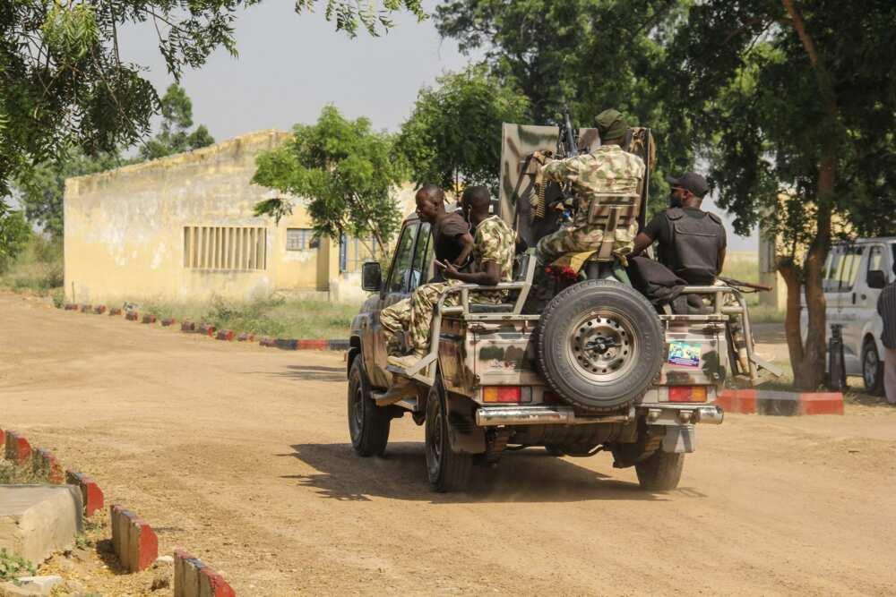 Yanzu Yanzu: Rundunar sojoji ta kashe 'yan ta'adda 73, ta ceto mutum 55 a Borno