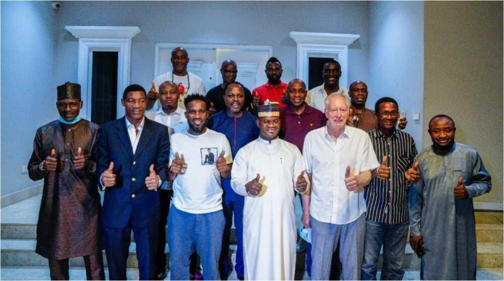 Former Super Eagles coach Jo Bonfrere, ex-internationals meet with state governor in Nigeria