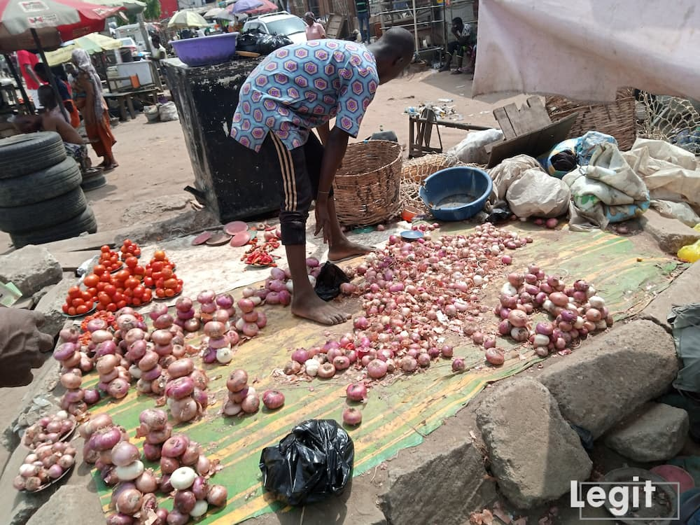 Onion is very expensive in the market and the cost of purchase is also high. Interestingly, the demand for the item did not drop. Photo credit: Esther Odili