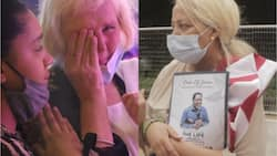 75-year-old White woman bursts into tears as TB Joshua's corpse arrives Synagogue