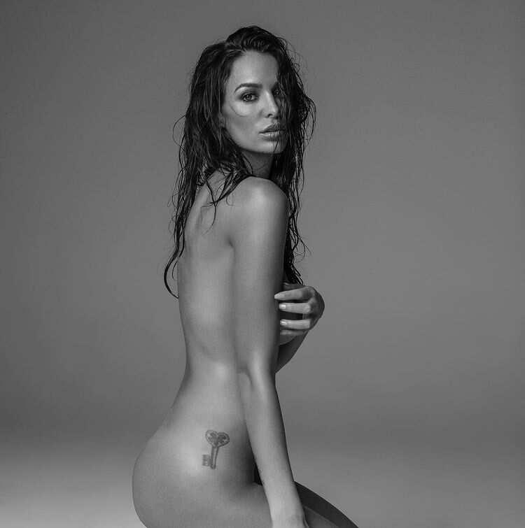 Jade Lagardère nue