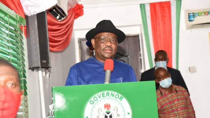 Confusion as top APC chieftain scores PDP governor high on performance