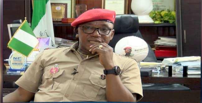 Na kusa da Buhari su suke kangeshi da masu fada masa gaskiya, Solomon Dalung