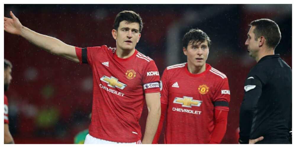 Gary Neville advises Solskjaer to sign center-back for United to win EPL