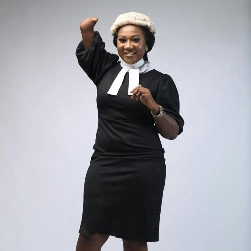 Despite her disability, this Nigerian lady becomes lawyer, inspires others