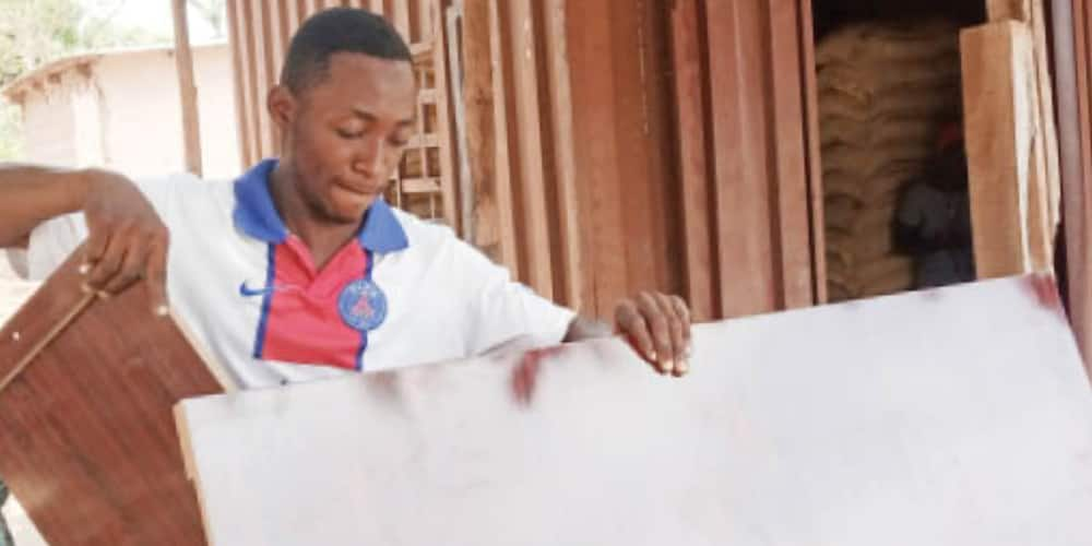 23-year-old Undergraduate who Combines Schooling with Furniture Work Advises Youths to Create Employments