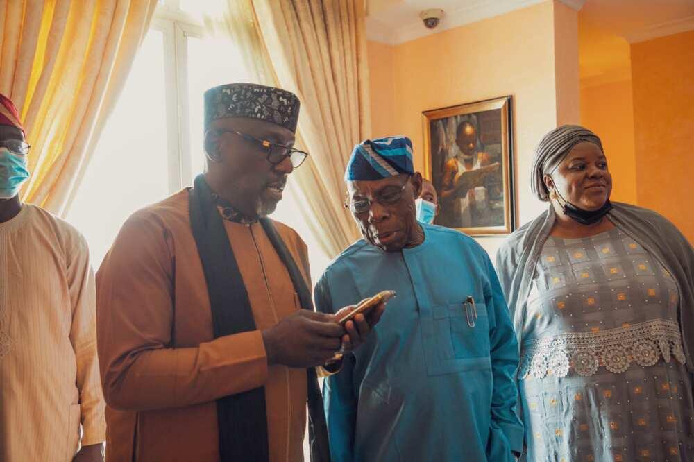 Tsohon gwamnan Imo Rochas Okrocha ya gana da Obasanjo a Abekuta