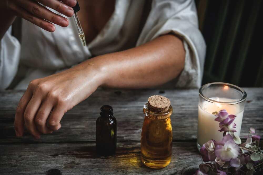 Carrot oil for skin lightening