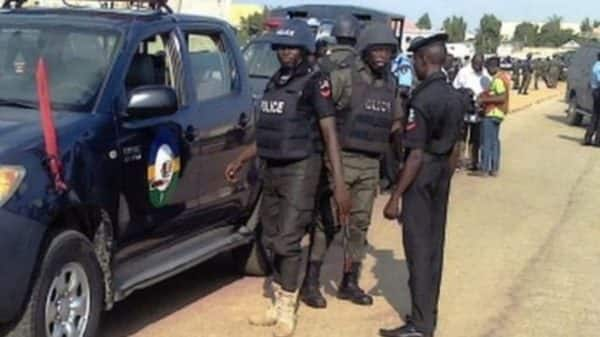 Kidnappers kill 2 soldiers in Akwa Ibom, disappear with expatriate - Legit.ng