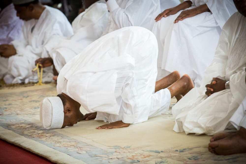 Buhari ya fadi dalilinsa na yin sallar Juma'a a masallacin fadar shugaban kasa