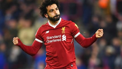 Liverpool star Salah shows off 6 pack which will challenge Ronaldo to hit the gym (photo)