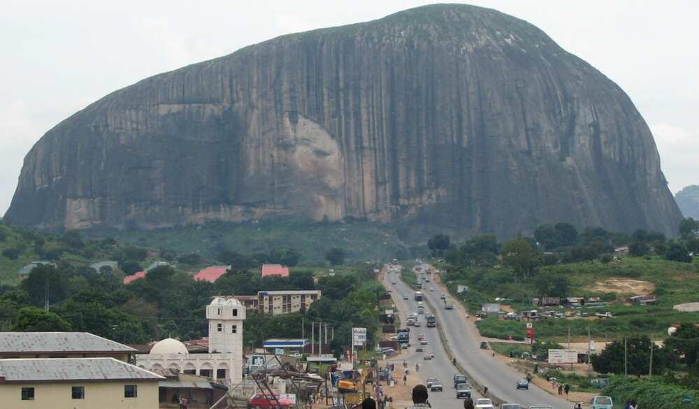Kaduna-Abuja: Da 'dan gari a kan ci gari, a dauki matasa aikin tsaro inji Sani