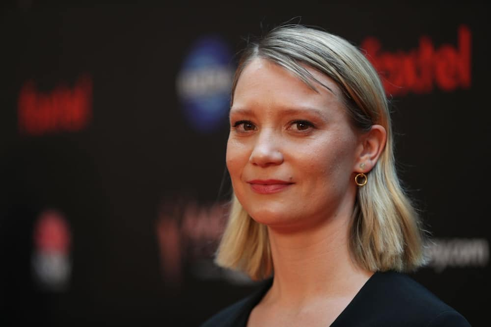 Mia Wasikowska net worth