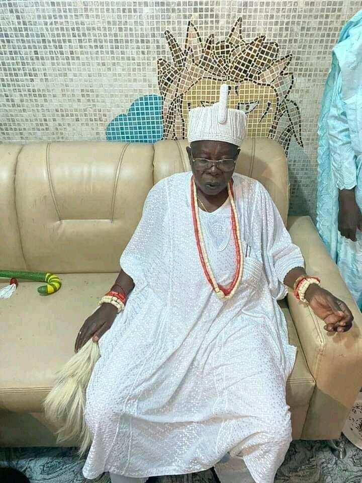 Hawaye sun kwaranya yayin da Oba na jihar Lagas ya mutu sakamakon rashin lafiya da ba a bayyana ba a asibiti