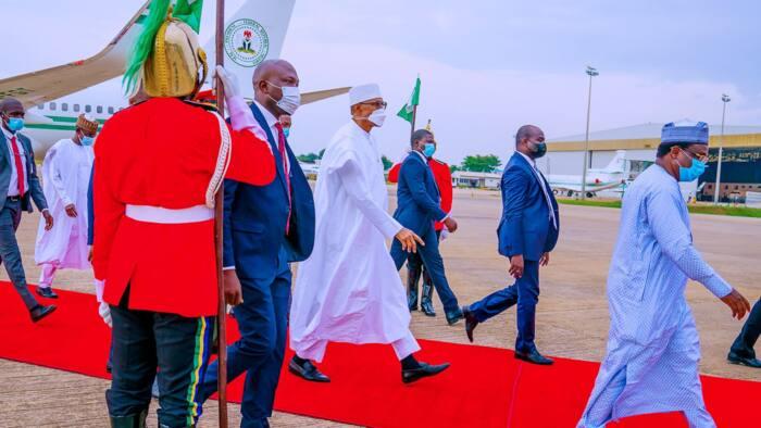 Shugaba Muhammadu Buhari ya koma Abuja bayan mako daya a Daura