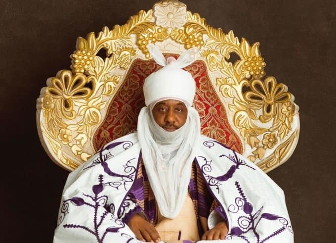 Security operatives storm Emir of Kano's palace