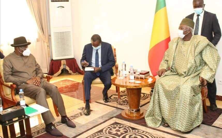 Da Ɗumi-Ɗumi: Tawagar Goodluck Jonathan Ta Gana da Shugaban Ƙasar Mali da Akaiwa Juyin Mulki