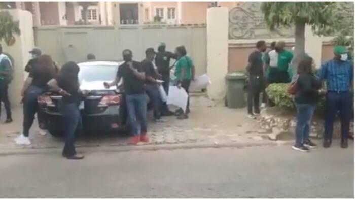 Heritage Bank workers storms Senator Andy Uba's house to demand loan repayment