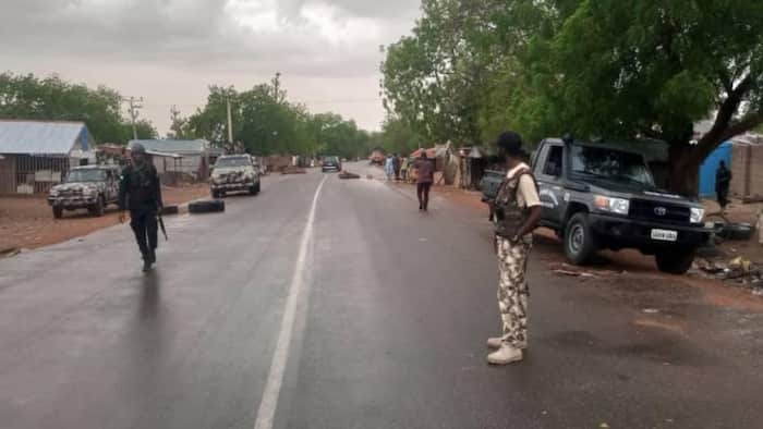 Troops arrest suspected bandit fleeing to Oyo state with military uniform, charms