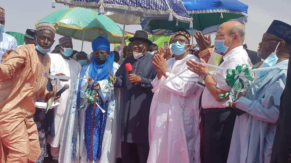 Gwamnan Bauchi ya sanya ma wata titi sunan Goodluck Jonathan
