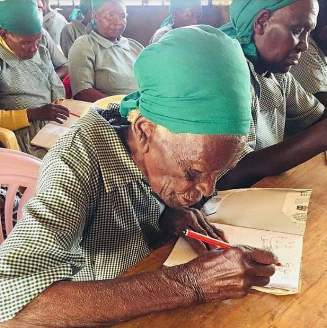 95-year-old woman defies all odds, enrolls in school (photos)