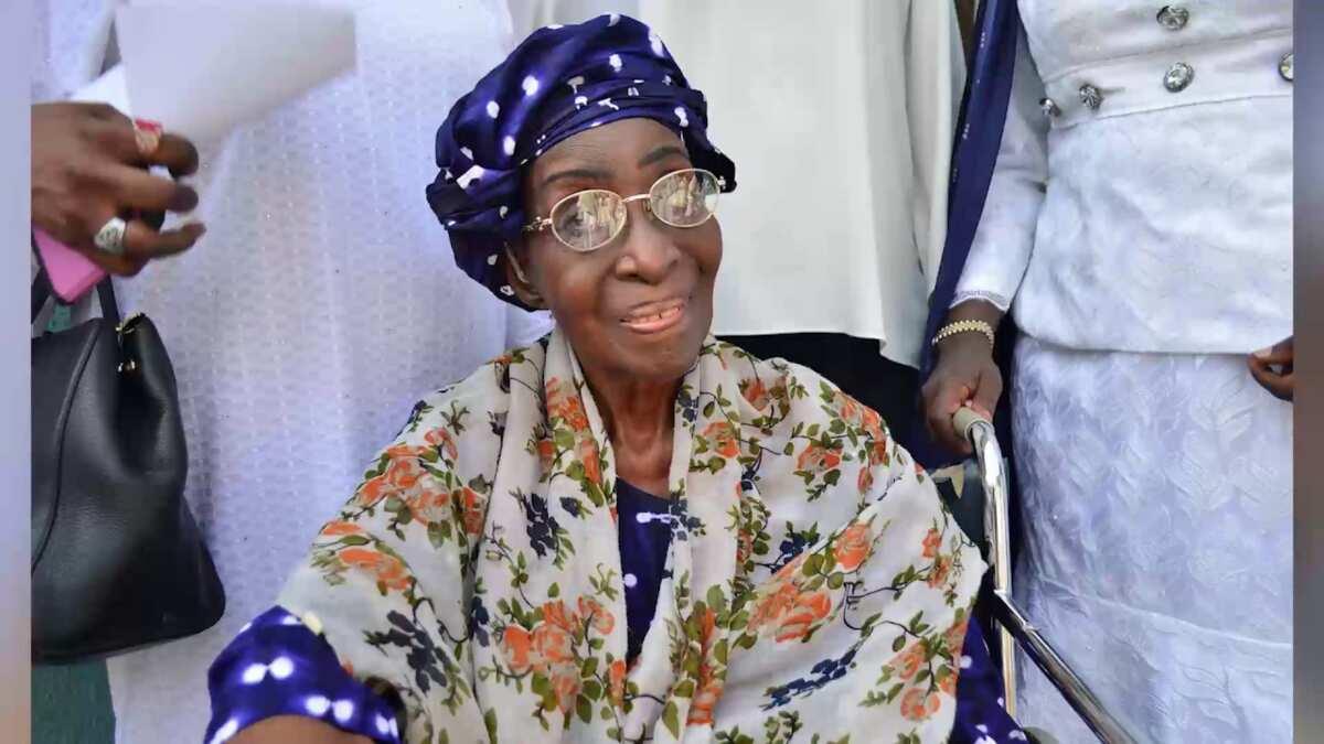 Efunjoke Coker: First Nigerian principal of Queen's College - Legit.ng