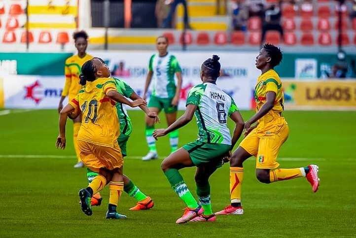 Super Eagles captain Oshoala spotted twerking to popular Nigerian hit song alongside Ordega, 2 others