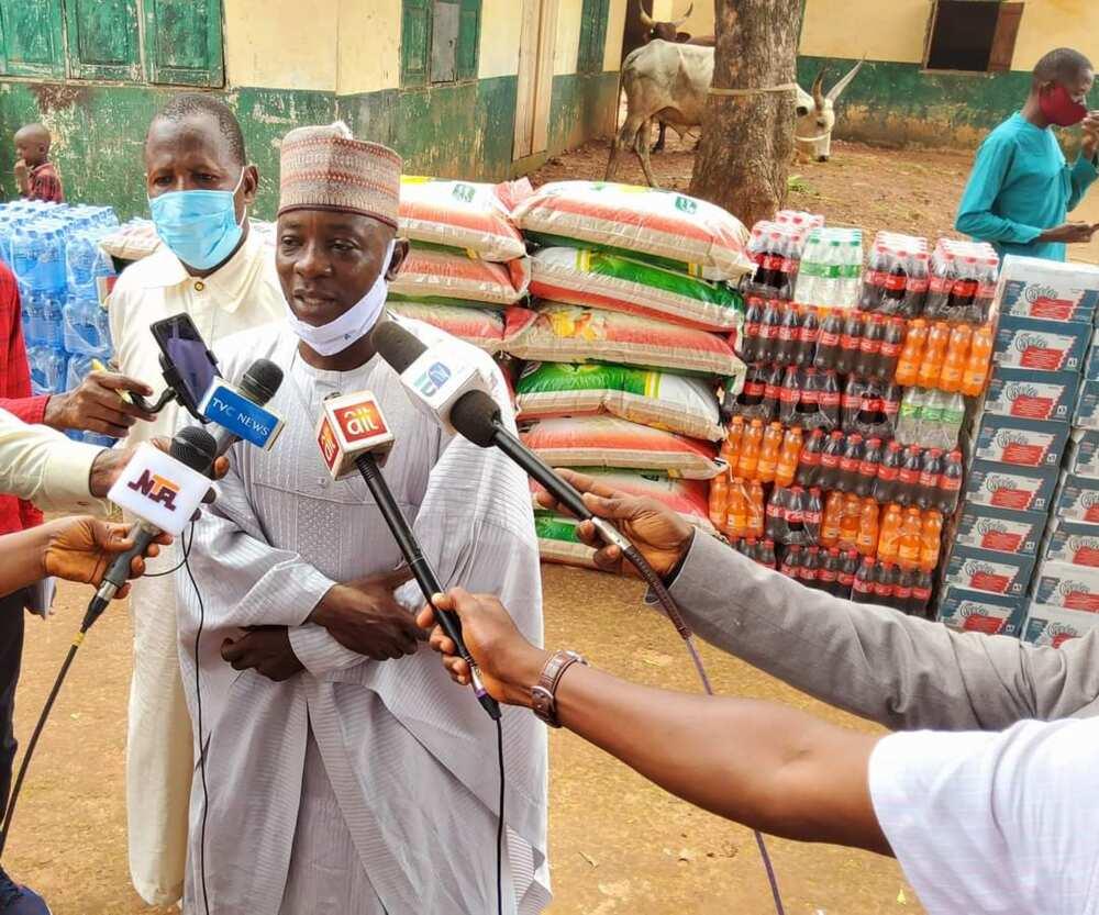 EidelKabir: Gov Ugwuanyi Presents Sallah Gifts to Muslims in Enugu