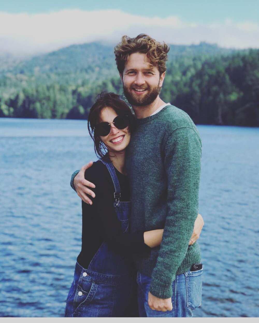 Heida Reed engaged