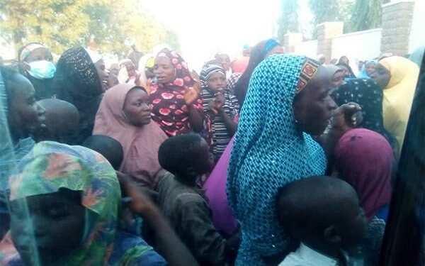 Drama, chaos as female beggars besiege Nigerian governor's residence, locks him in