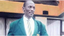 41-year-old taxi driver thanks teachers as he matriculates and moves on to becoming a teacher