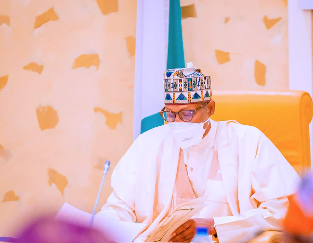 Nigerian government gives N10,000 to 1.6 million households monthly.