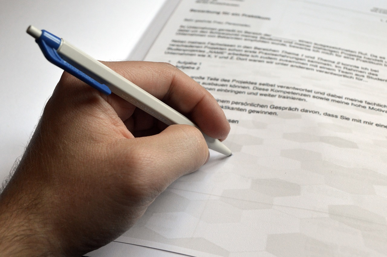 Writing A Letter Of Application from netstorage-legit.akamaized.net