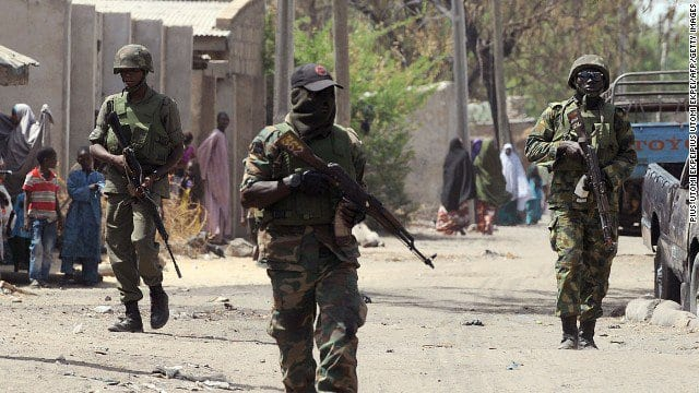 An zargi rundunar soji da nufin daukar tubabbun Boko Haram aiki, amma sun karyata