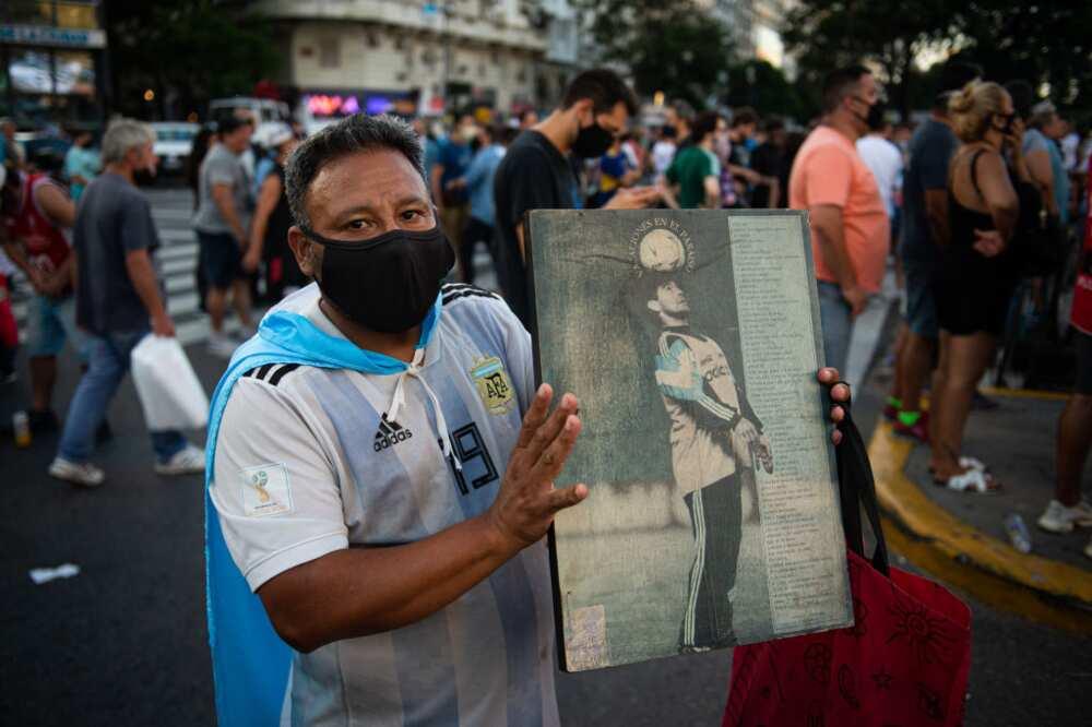 Argentine Doctors Find Irregularities in Soccer Great Maradona's Death