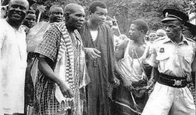 Awujale of Ijebu: Photograph surfaces of Oba Adetona's coronation in 1960