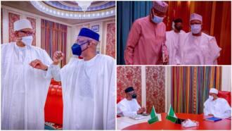 BREAKING: President Buhari meets Pastor Tunde Bakare in Aso Villa