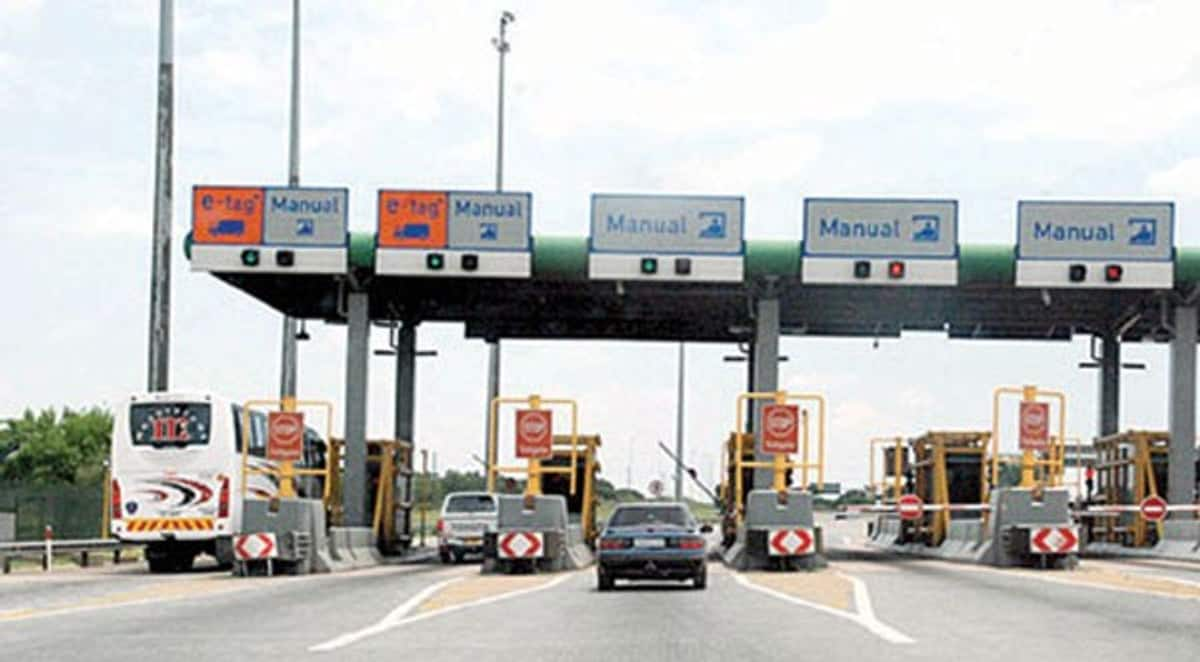 Border closure: Our goods trapped in lorries are being looted - Traders lament
