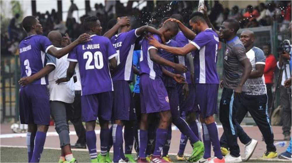 Nigerian players sing praises to God on the pitch after getting a point away from home (video)
